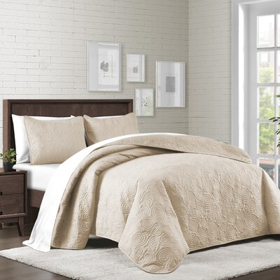 Kate Solid Swirl Design Reversible Quilt Set Size: Twin, Color: Linen