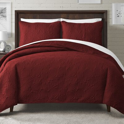 Kate Solid Swirl Design Reversible Quilt Set Size: Full/Queen, Color: Red