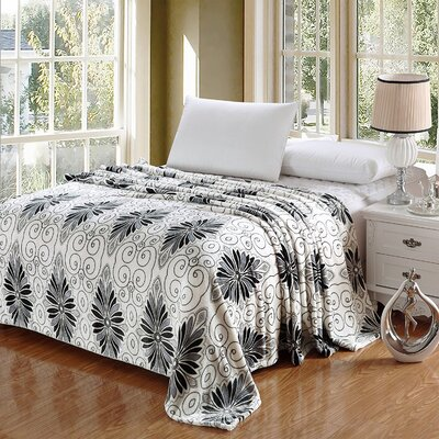 Kailyn Luxurious Oversized Printed Super Soft Plush Flannel Throw