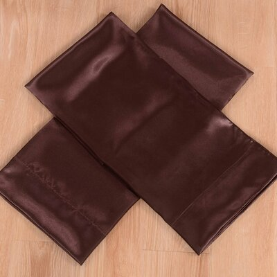 Honeymoon 4 Piece Bed Sheet Set Color: Chocolate, Size: Queen
