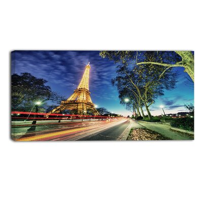 Eiffel Tower at Sunset Landscape by Designart Photographic Print on Wrapped Canvas Size: 20