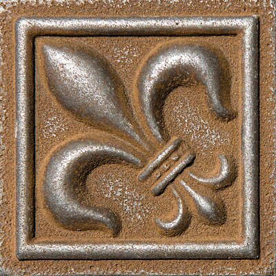 2 x 2 Fleur De Lis Deco Accent Tile in Rust