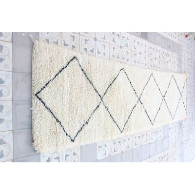 Beni Ourain Moroccan Hand Knotted Wool Cream/White Area Rug Rug Size: Runner 28 x 910