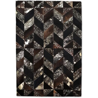 Brown/Gold Area Rug Rug Size: 5 x 8