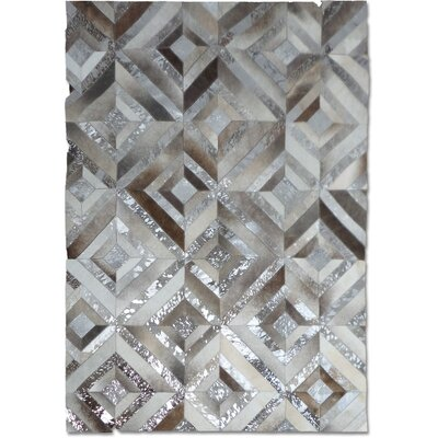 Gray/Silver Area Rug Rug Size: Rectangle 8 x 10
