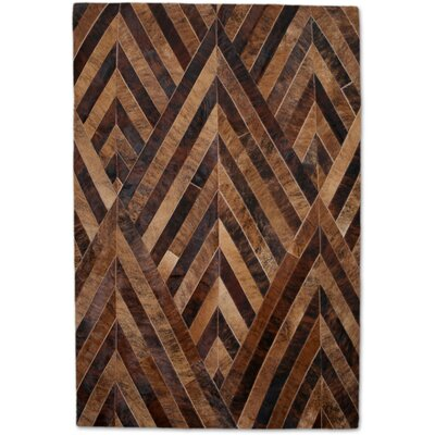 Brown/Tan Area Rug Rug Size: 5 x 8