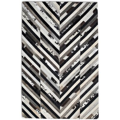 Black/White Area Rug Rug Size: Rectangle 6' x 9'