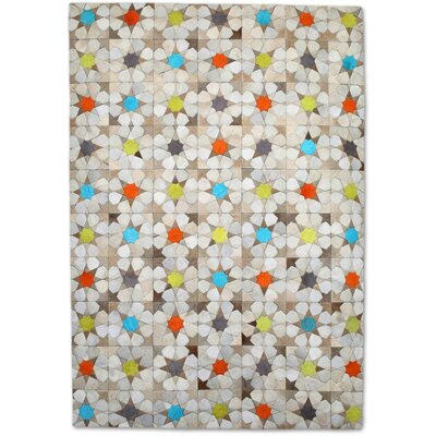 Beige Area Rug Rug Size: Rectangle 6' x 9'