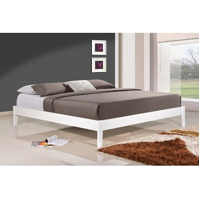 Manhattan Platform Bed Size: Queen, Upholstery: White