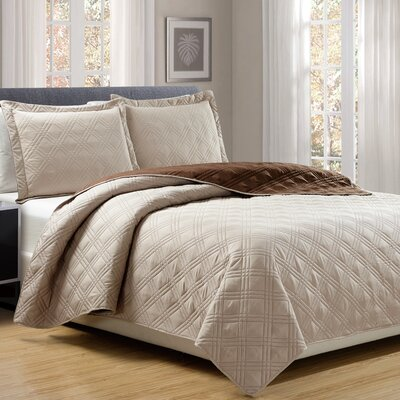 3 Piece Reversible Quilt Set Size: Queen, Color: Taupe/Chocolate