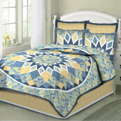 French Star 3 Piece Quilt Set Size: King