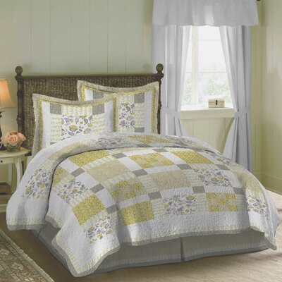 Delta Quilt Size: Twin