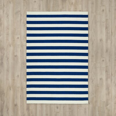 Suffield Navy/Cream Indoor/Outdoor Area Rug Rug Size: 4 x 6