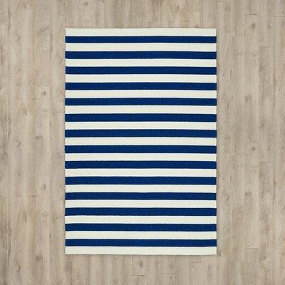 Suffield Navy/Cream Indoor/Outdoor Area Rug Rug Size: 4 x 6
