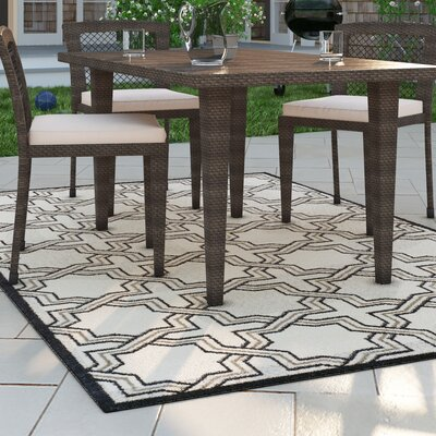 McArthur Ivory/Navy Indoor/Outdoor Area Rug Rug Size: 6 x 9