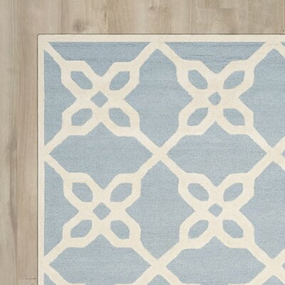 Linden Hand-Tufted Blue / Ivory Area Rug Rug Size: Rectangle 4 x 6