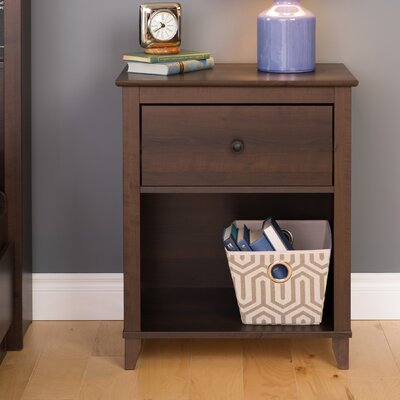Pembrooke Traditional 1 Drawer Nightstand
