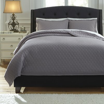 Harvey 3 Piece Quilt Set