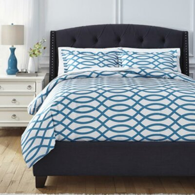 Soledad Duvet Cover Set Size: Queen