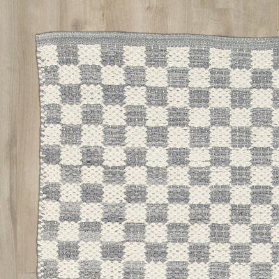 Brisa Gray/White Area Rug