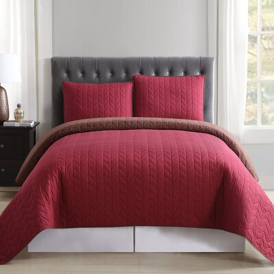 Carolina Reversible Quilt Set Size: King, Color: Burgundy and Brown