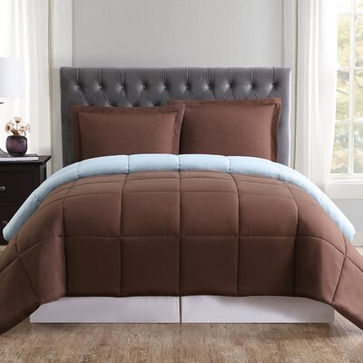 Carolina Reversible Quilt Set Size: King, Color: Chocolate and Light Blue