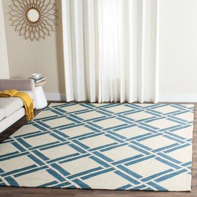 Verde Ivory/Blue Area Rug Rug Size: 5 x 8