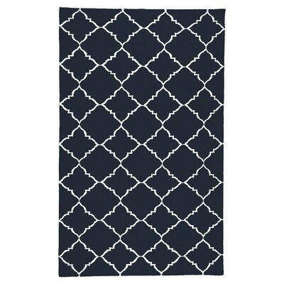 Highlands Dark Blue/Winter White Area Rug Rug Size: 5 x 8