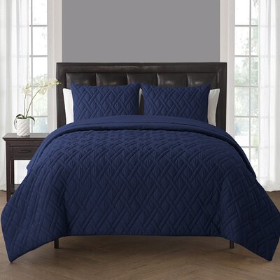 Northport Comforter Set Color: Navy, Size: King
