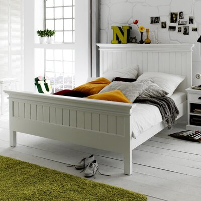 Travis Platform Bed Size: Queen