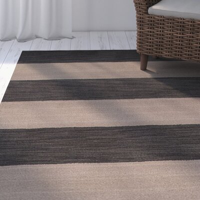 Sand Hill Hand-Tufted Gray/Ivory Area Rug
