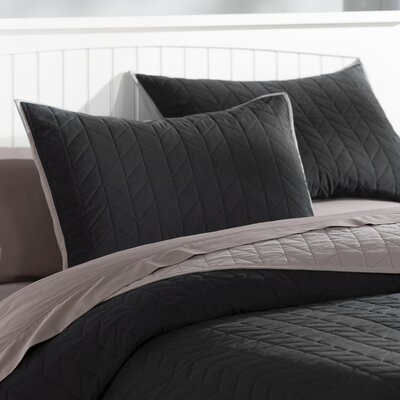 Carolina Reversible Quilt Set Size: King, Color: Black and Grey