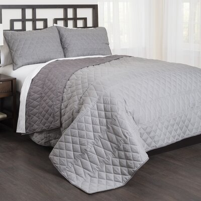 Banded Diamond 3 Piece Reversible Comforter Set Size: King