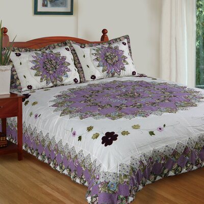 Pansys Field Quilt Set Size: Queen