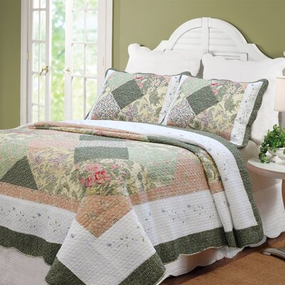 Williamsburg Forest Patchwork Quilt Set Size: Full/Queen