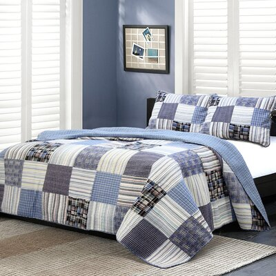 Daniel Striped Patchwork Quilt Set Size: Full / Queen