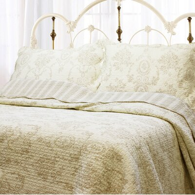 French Medallion 3 Piece Quilt Set Color: Ivory, Size: King