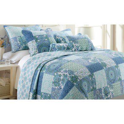 Windfall Quilt Set Size: King