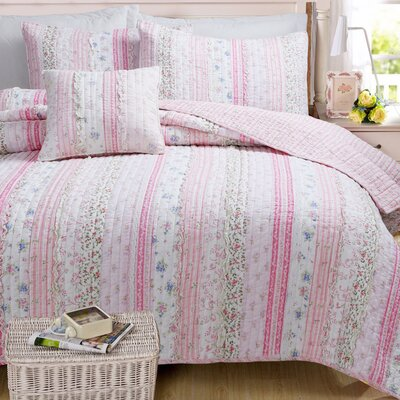 Romantic Chic Quilt Set Size: Twin, Color: Pink