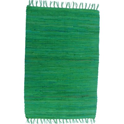 Country Green Area Rug Rug Size: 26 x 42