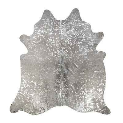 Devore Star Cowhide Gray/Silver Area Rug