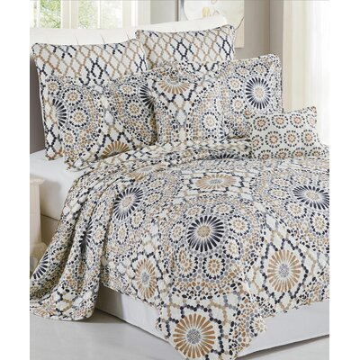 Tradewinds 7 Piece Coverlet Set Size: Queen