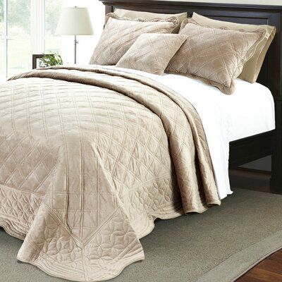 Alexander�4 Piece Quilt Set Size: King, Color: Taupe