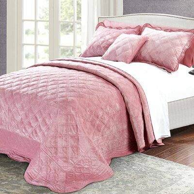 Alexander�4 Piece Quilt Set Size: Queen, Color: Pink