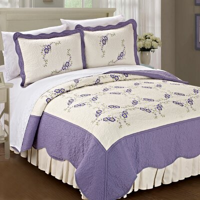 Chrysanthemum Quilted 3 Piece Coverlet Set Size: King, Color: Lilac