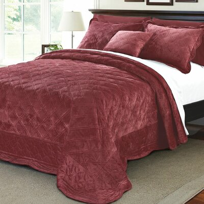 Alexander�4 Piece Quilt Set Size: King, Color: Burgundy