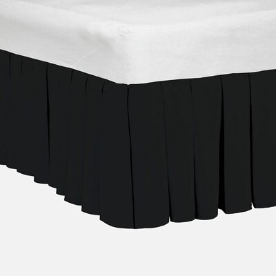 Classic Dust Ruffle Bed Skirt Size: Queen, Color: Jet Black