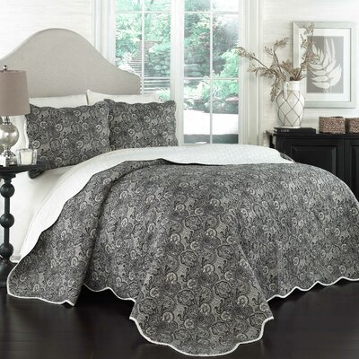 3 Piece Quilt Set Size: Full/Queen