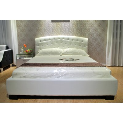 Upholstered Platform Bed Size: Full, Color: White