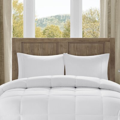 Winfield All Season Down Alternative Comforter Size: Twin / Twin XL